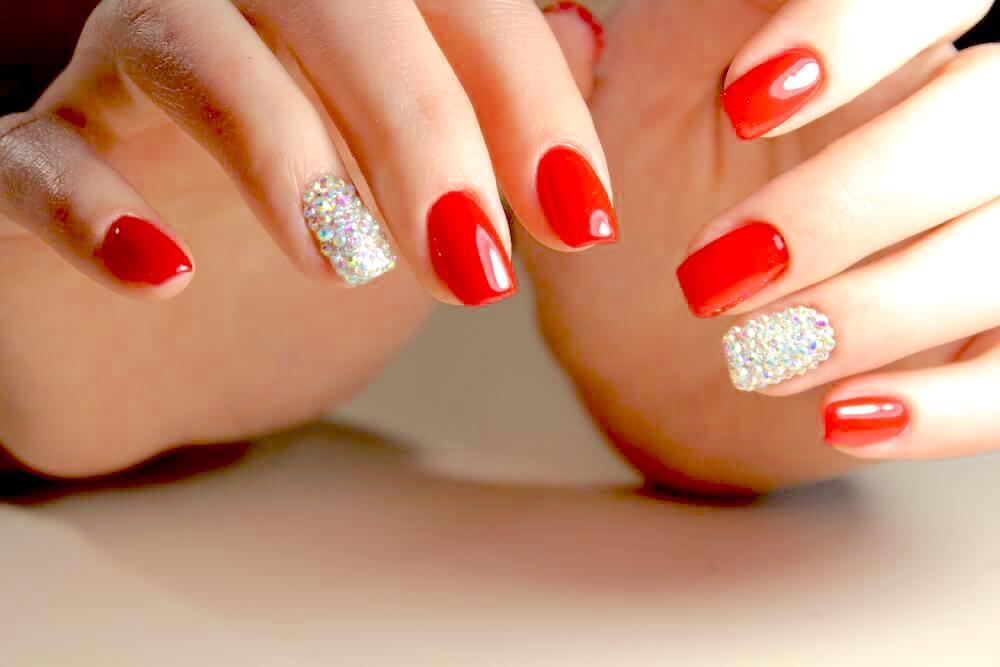 red nails and silver glitter