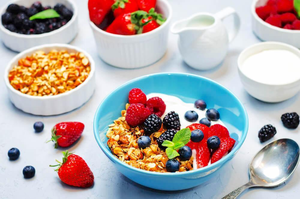 Healthy breakfast bowl with oats and fruits