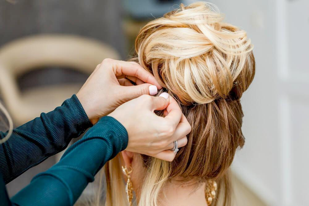 Blonde hair bun updo