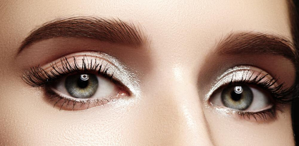 Eyes with bright white eyeshadow
