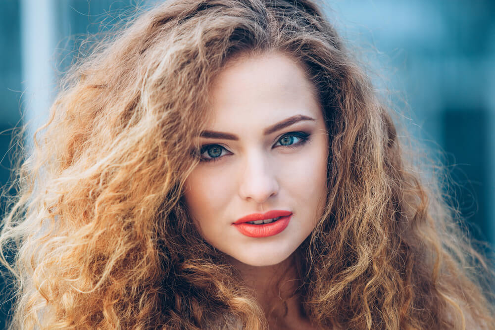 Frizzy hair on woman